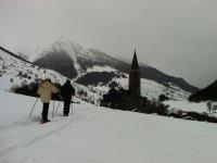 景观充满了美丽的雪鞋Montgarri的