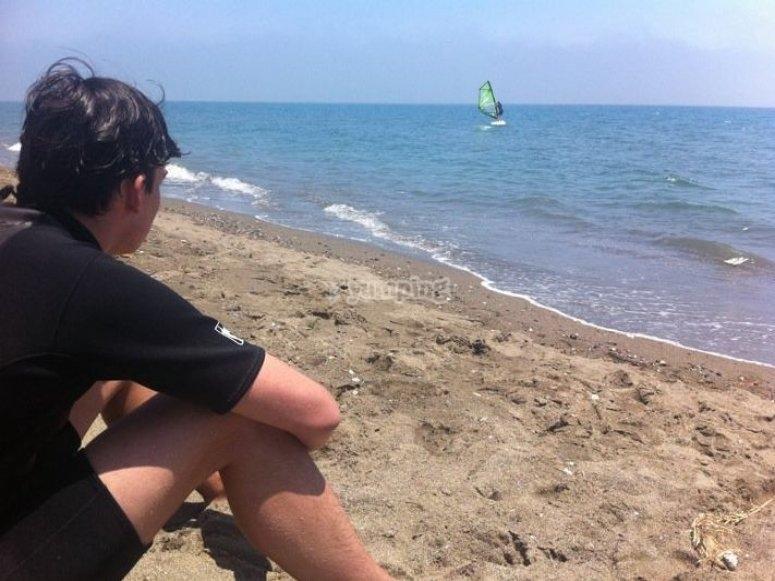 Practise windsurfing