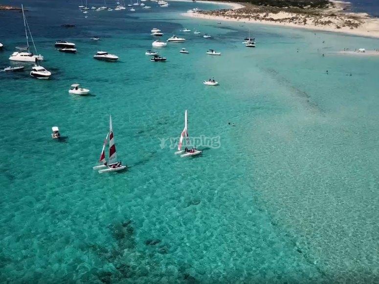 Navegando en la costa de Formentera