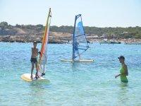 Curso de windsurf privado en la Bahía de Es Pujols