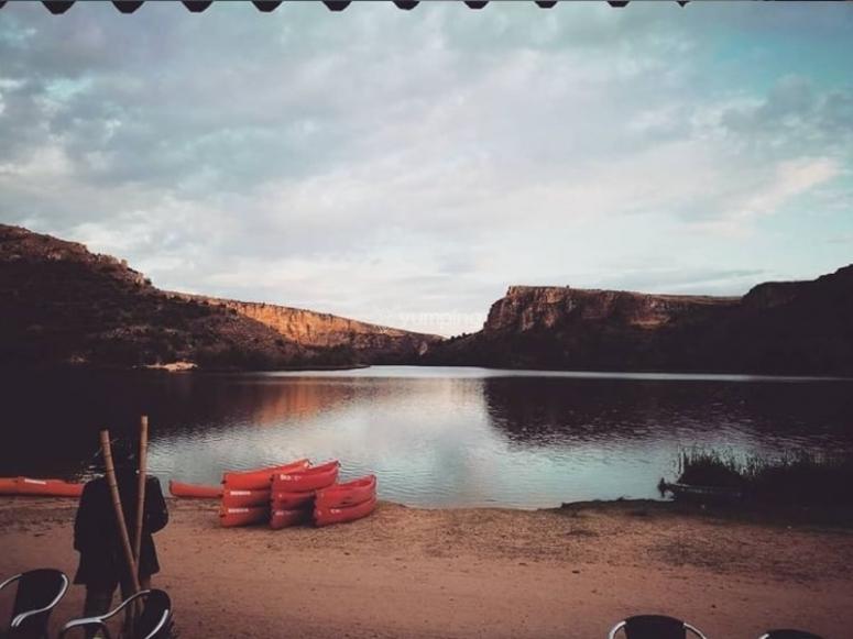 Vistas desde la orilla al Embalse de las Vencías