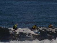 Lezioni di surf per bambini e adulti