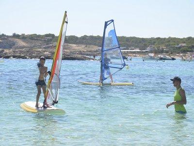 Curso de windsurf en Es Pujols 5 días Niños