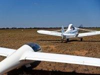 Planeador y avion remolcador