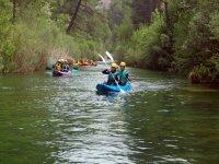 Monitores guiando el kayak