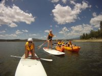 en paddle surf y embarcaciones en kayaks