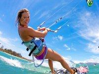 Surca las olas con el kite