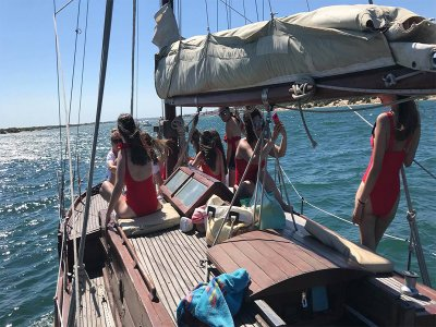 Barco para despedida de soltera en río Piedras 4h