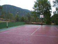 Campo de baloncesto.