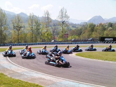 Paintball e karting a Gijón e menu asturiano