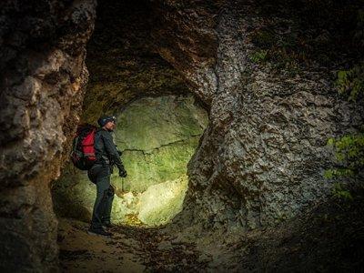 穿越 Udalla 的 Cueva Molino 的探洞路线 2 小时