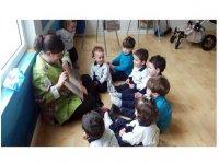Bambini con monitor