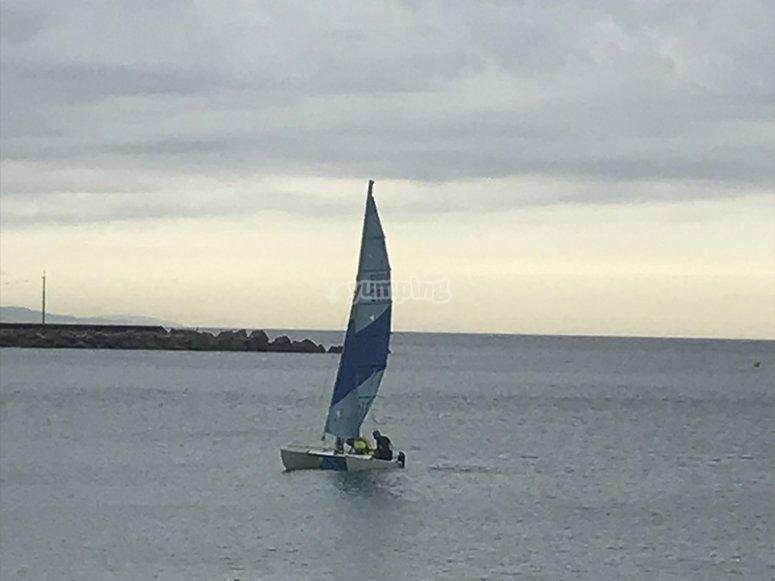 Mar Bella 海滩私人帆船课程
