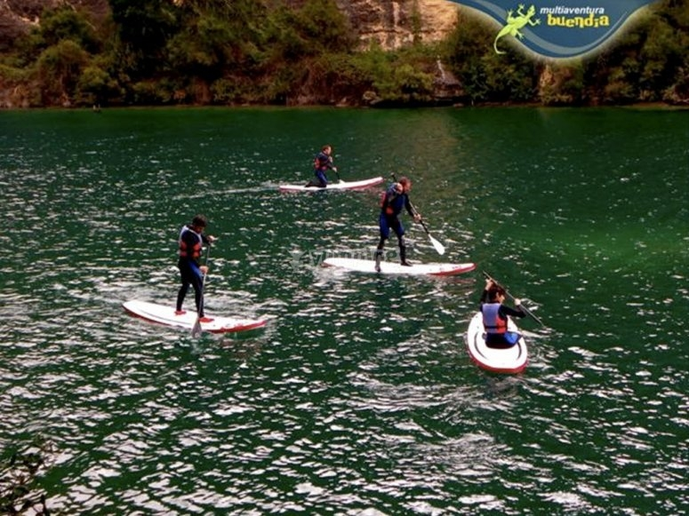 Stand up paddle surfing in the Guadiela river