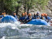 Ruta de amigos en rafting