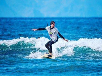 Curso de surf básico 5 clases playa Las Américas