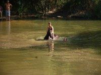 Cruzando el rio