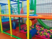 Laberinto y bolas de colores Cartaya