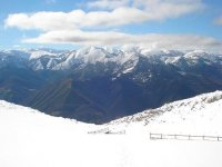 在雪地上最神奇的地方雪山