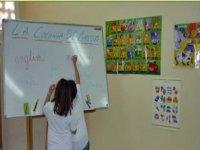 Clases con profesores bilingues.