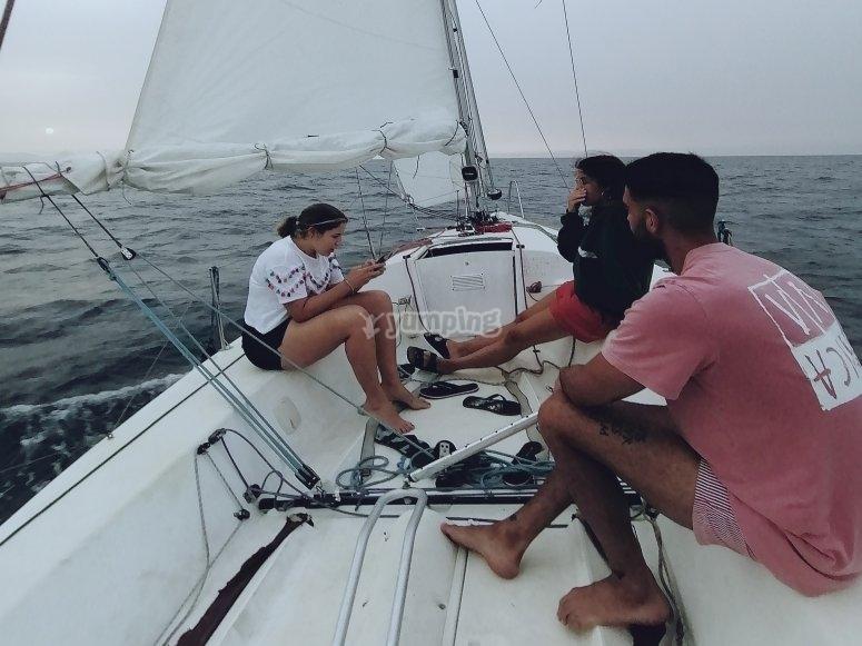 Navegando a vela por la costa de Dénia