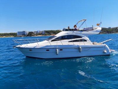 豪华游艇租赁与船长在坎布里尔斯 2 小时