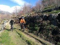 Sendero en bici en Gredos
