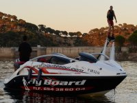 Barco para hacer flyboard