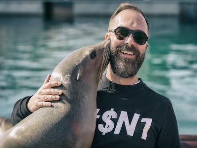 Interacción con león marino en Caleta de Fuste