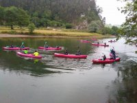 Despedida de soltero remando en canoa por Unquera