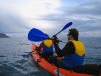 Kayak en mar en Portugal