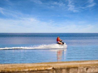 伊维萨海岸的水上摩托艇 30 分钟