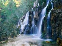 Cascada en el origen del rio Cuervo