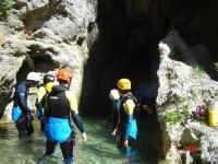 mirando las grutas
