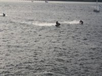 motos de agua en el mar
