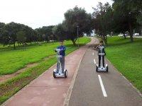 Paseando el segway desde el parque