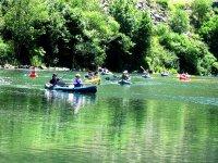 Giro in canoa sul lago a Sanxenxo