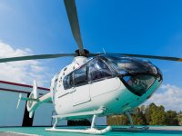 直升机停机坪的直升机
