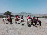 在马背上观看塞戈维亚风景