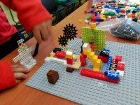 Jugando con lego