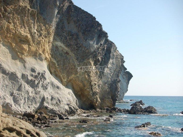 acantilado y el mar