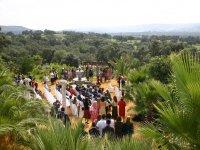 Celebración boda civil frente a templete rociero