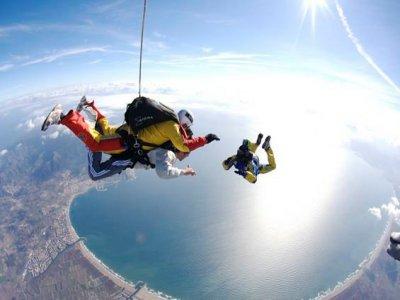 Skydive Empuriabrava - La Tierra del Cielo Despedidas de Soltero