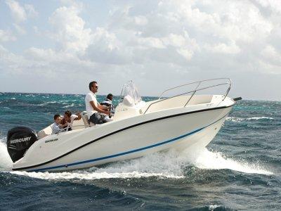 Alquiler privado de barco con patron Estepona 1h