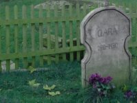 The grave of clear