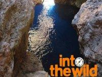 Davanti alla grotta di luce
