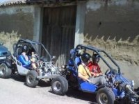 A bachelor party in buggie