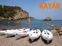 kayak en la costa de Ibiza