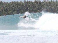 Bocabajo en la ola