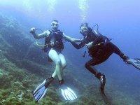 享受潜水的一天